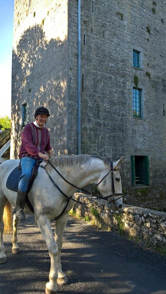 thoor-ballylee-horse